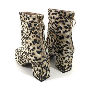 Cheetah Print Zip Up Back Ankle Boots & Bag